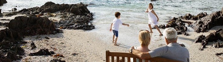 Arjo_kids_playing_by_the_beach_banner_2135x600px.jpg